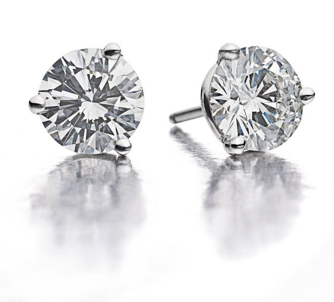 Nov-Jewelry_diamond_studs-2